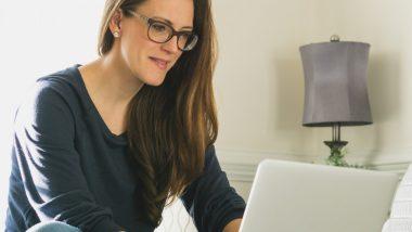 woman-using-laptop-computer_t20_OppW7O